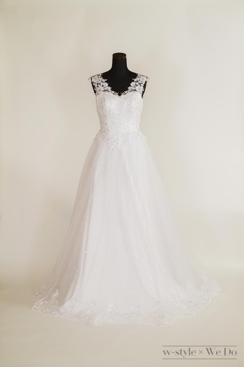 スパンコールがキラキラ輝ウェディングくドレス